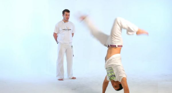 How to Do the S-Dobrado in Capoeira