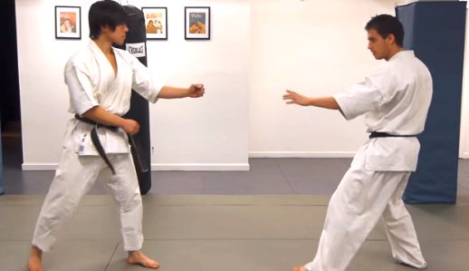 Traditional Karate vs  Karate Kyokushin - The kumite | Sports and
